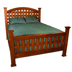 Traditional American Queen Size Bed